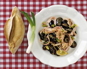 Käferbohnensalat mit Kalbspariser
