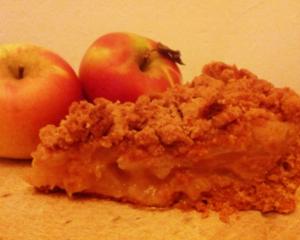 Saftiger veganer Apfelkuchen