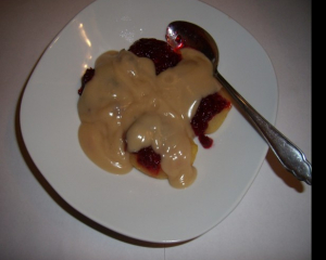 Gedünstete Zimtäpfel mit Vanillesauce