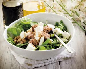 Schneller Spinatsalat mit Thunfisch