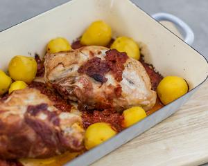 Gefüllte Hühnerbrust auf Sugo