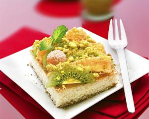 Exotischer Früchtekuchen mit Currystreusel