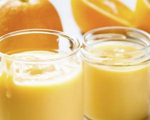 Orangen-Zitronen-Creme-Dessert