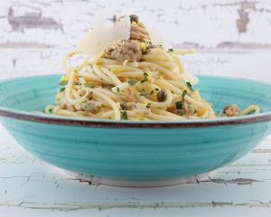 Thunfisch-Pasta mit Zitrone und Kapern