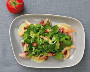 Vogerlsalat mit Erdäpfeldressing und Speck