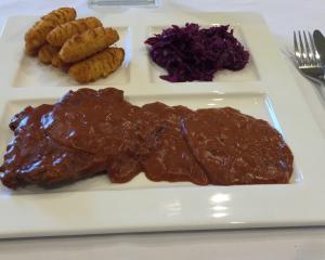 Rindschnitzel in Rotweinsauce