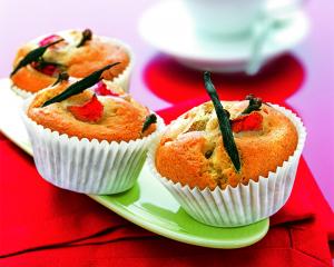 Vanille Muffins mit Nelken-Rhabarberfülle