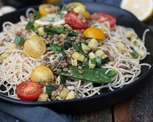 Recheis Dinkel Spaghetti mit Linsen und Gemüse