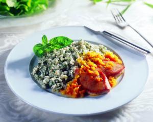 Putenfilets in Safran-Gemüsesaft mit Kräuterrisotto