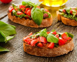 Tomaten-Basilikum-Brötchen