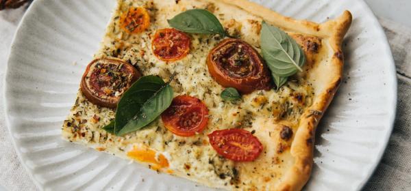 Tomaten-Kräuter Flammkuchen