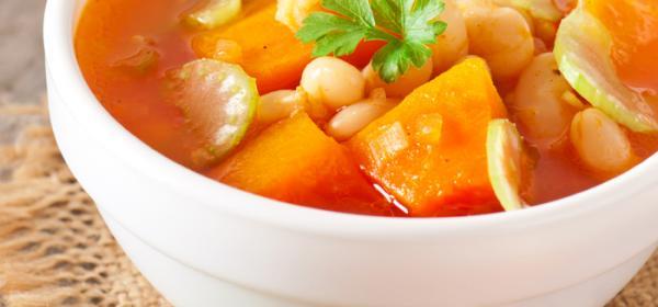 Kürbis-Bohnensuppe