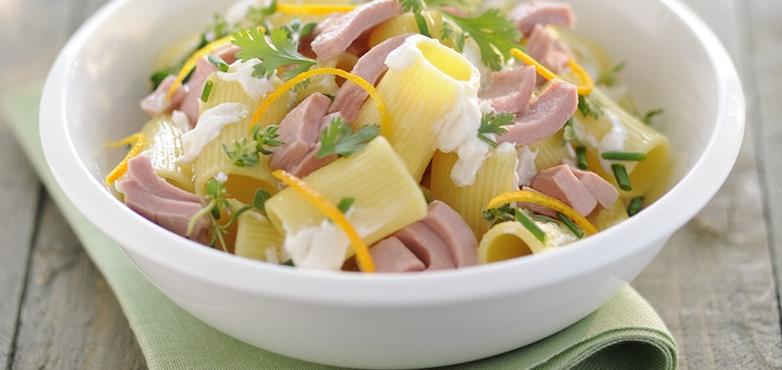 Maccheroni mit Thunfisch und frischem Ricotta