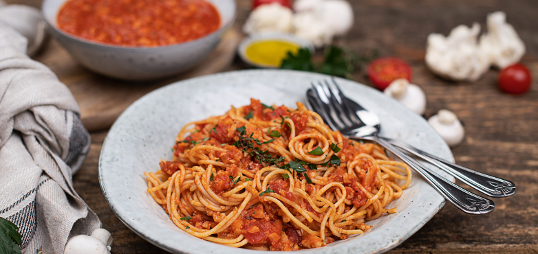 Recheis Vollkornspaghetti mit Karfiol-Bolognese