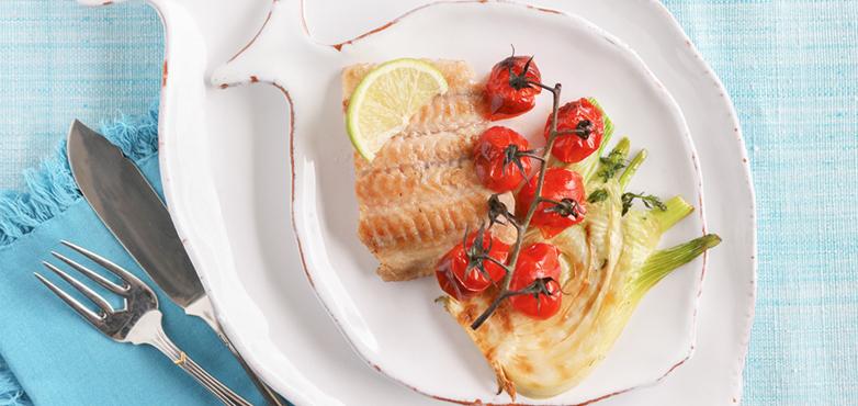 Gegrillter Wels auf Fenchel   mit Paradeiser-Gurken-Salsa und Dillrahmsauce