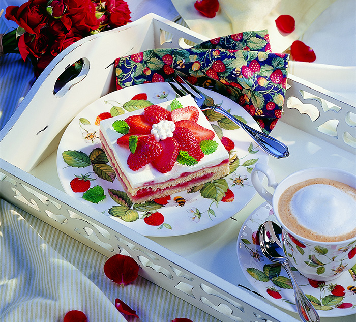 Wiesener erdbeer zitronenschnitten rezept nah frisch for Koch 3 lehrjahr gehalt